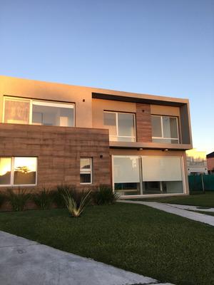 Casa Impecable En Ayres Plaza