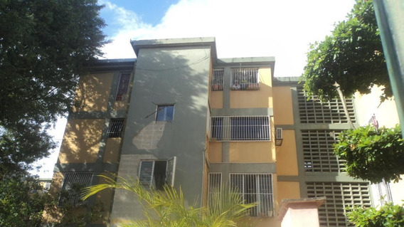 Apartamento En Venta Patarata Barquisimeto Lara 21-6232