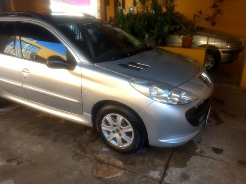 Imagem 1 de 6 de Peugeot 207 Sw 2011 1.4 Xr Flex 5p