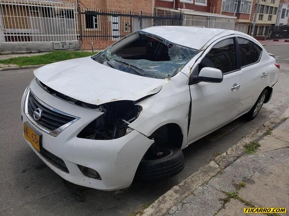 Chocados Nissan Versa