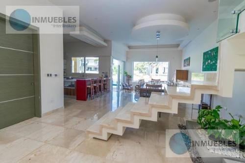 Casa En Venta En Residencial Puerto Cancun.