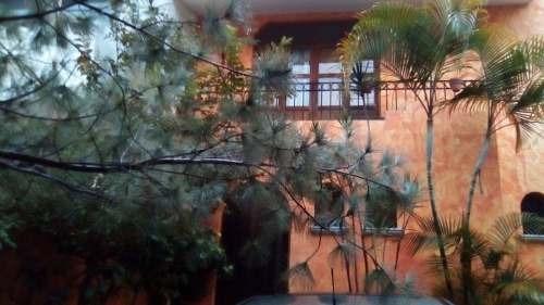 Casa En Fraccionamiento Bugambilias, Zapopan