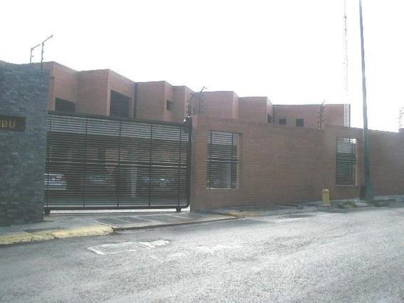 Hermoso Townhouse De Venta La Trinidad