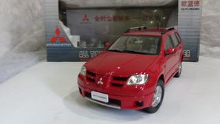 Mitsubishi Outlader A Escala 1/18
