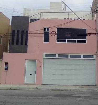 Casa En Fraccionamiento En Renta