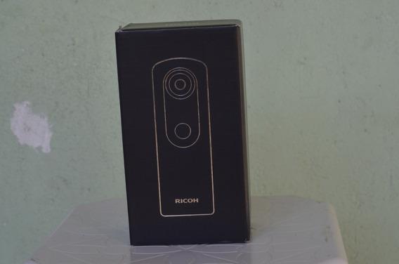 Câmera Theta