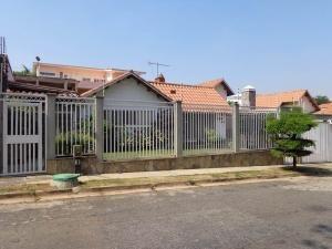 Casa En Venta Altos De Guataparo Valencia 20-3539 Dam