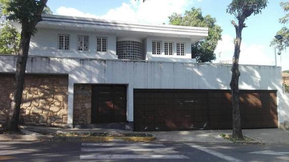 Se Vende Casa 1200m2 7h+s/7b+s/5p La Floresta
