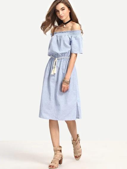 Vestido Azul Con Hombros Descubiertos