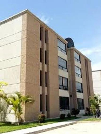Elisha Dcesare Vende Apartamento En Resd. Palma Real, Aragua