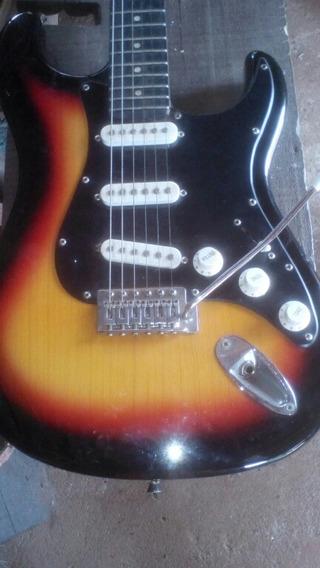 Guitarra Usada Mas Em Perfeito Estado De Conservaçao