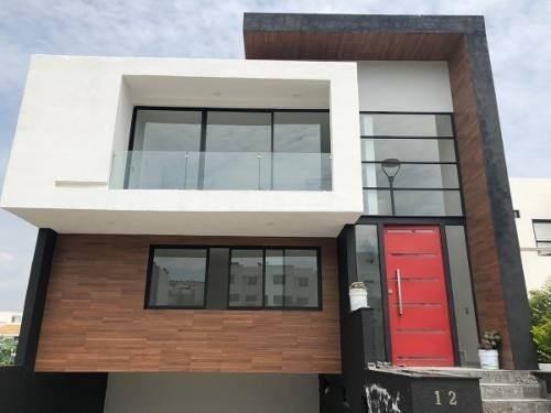 Preciosa Residencia De Autor En Zibatá - 4 Niveles, 4 Habitaciones, Roof Garden