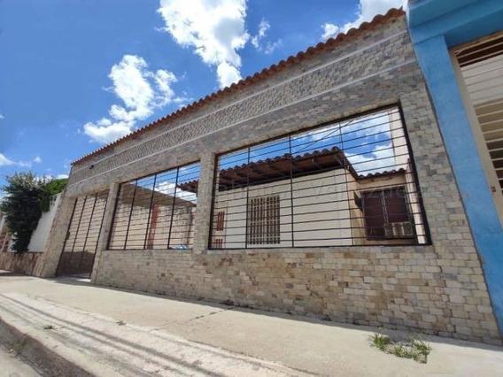 Casa En Venta Urb Villas De Aragua Maracay/ 21-4290 Wjo