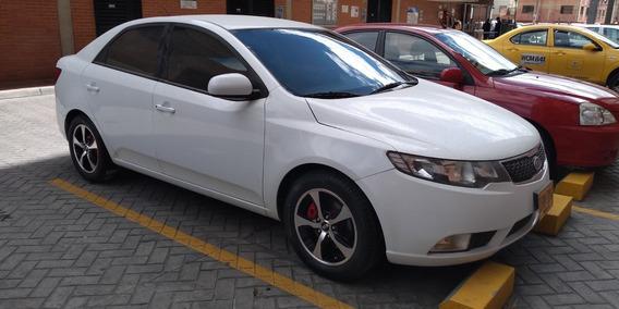 Kia Cerato Forte Modelo 2016 4 Puertas Mecanico