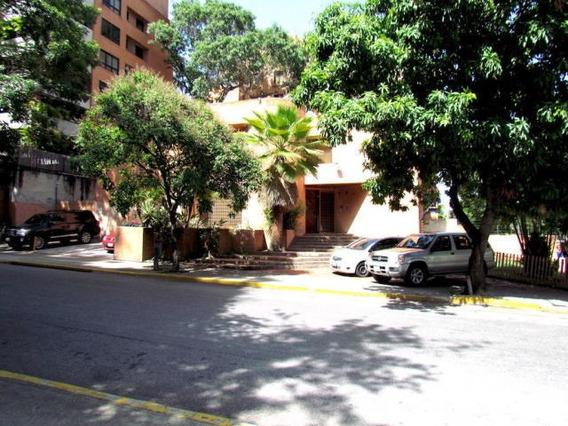 Oficina En Alquiler Campo Alegre Mls #19-11821