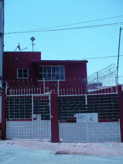 Casa Con 4 Récamaras, 3.5 Baños, 2 Garages, Tlalnepantla Méx