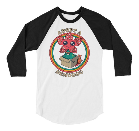 Playera Raglan 3/4 Stranger Things Adopt A Demodog