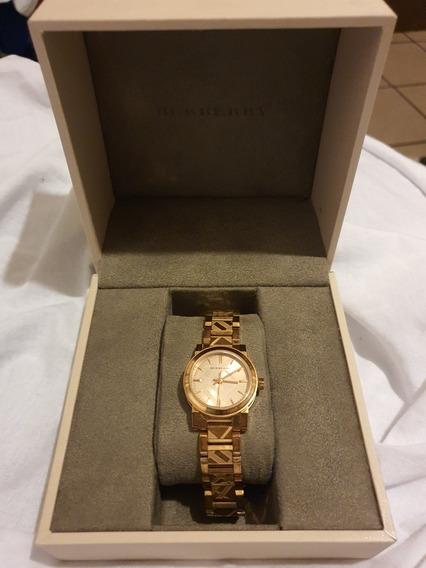 Reloj Para Dama Burberry Color Oro Rosa Modelo Bu 9235.