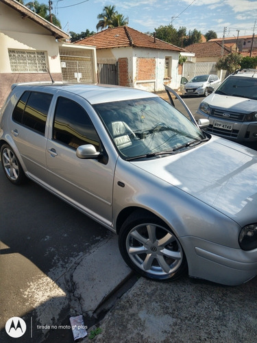 Imagem 1 de 7 de Volkswagen Golf 2001 1.6 Plus 5p