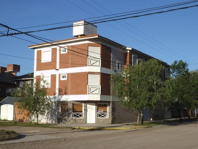 Departamentos Frente A La Plaza - Lucila Del Mar
