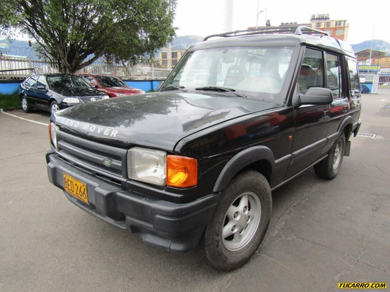 Land Rover Discovery At 4x4