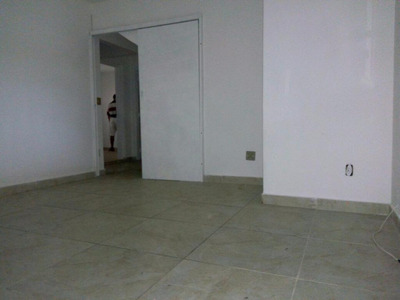 Ótimo Sobrado Geminado 2 Dormitórios - Vila Lygia - Guarujá - So0042