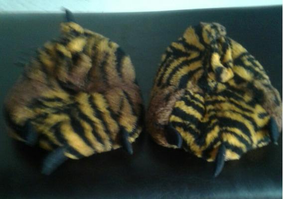 Pantuflas Tigre. Poco Uso. Buena Calidad