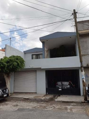 Casa En Venta, En Jardines De Oriente, San Luis Potosí