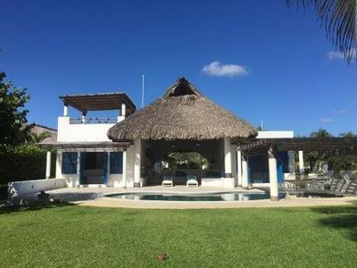 Casa En Venta En Rancho Neptuno, Puerto Escondido, Oaxaca.
