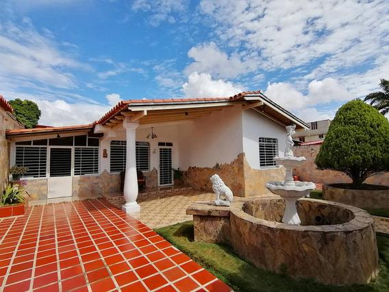 Casas En Barquisimeto Zona Este Flex N° 20-5855, Lp