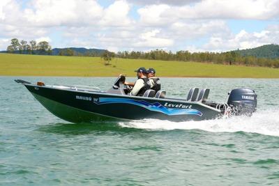 Barco Malibu 16 Com Motor De Popa 40 Hp Aws