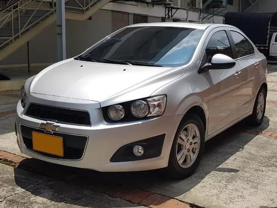 Chevrolet Sonic Sedan 2014 58.000km Color Plata Como Nuevo