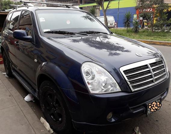 Vendo Camioneta Ssangyong Rexton 2009 $8,200