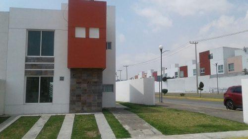 Casa En Venta Dentro De Fraccionamiento En Metepec, Precio A Negociar!!!
