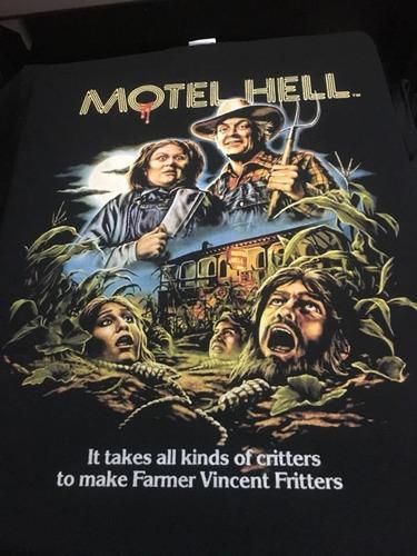 Imagen 1 de 3 de Motel Hell It Takes All Kinds Of Critters To Make Farmer Vin