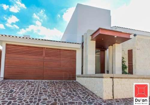 Exclusiva Casa En Venta Frente Al Tec De Monterrey