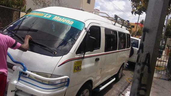 Minibus Kia Pregio, 4 Filas De Asiento, Buen Estado