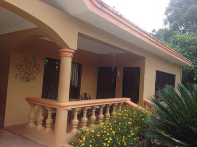 Casa En Jarabacoa Amueblada 4 Habitaciones Cerca Del Pueblo