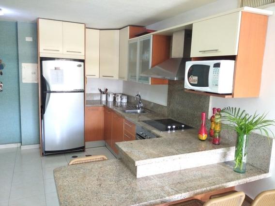 Venta Cómodo Apartamento Residencias Plaza Guaica, Lechería