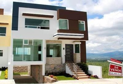 Residencia En Zibatá, 4 Niveles, Sótano, 4 Recámaras, Roof Garden, 3 Baños, Golf