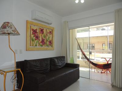 Apartamento 02 Dormitórios - 300 M. Do Mar - Bombinhas / Sc