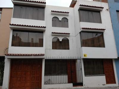 Se Vende Casa De Tres Pisos A Lado De La Municipalidad Jlbyr