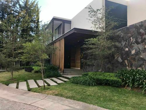 Residencia De Super Lujo En Valle Real Dentro De Coto Y Con