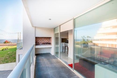 Apartamento En Venta De 2 Dormitorios En Playa Mansa