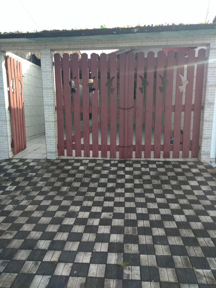 Casa Com 4 Cômodos Para Temporada Em Mongaguá