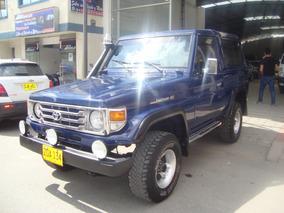 Toyota 4.5 Cabinada