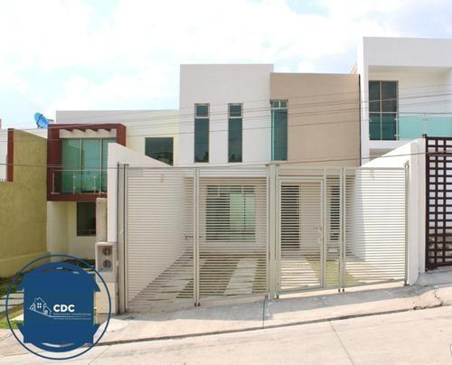 Casa De 138 M2 De Terreno, 3 Recamaras, 2.5 Baños