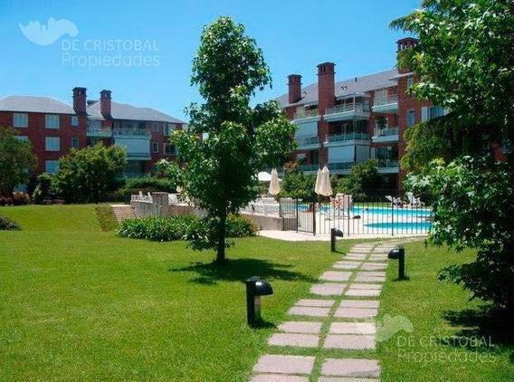 Departamento De 3 Ambientes En Jardines De San Isidro, Jardín Propio Y Cochera