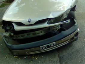 Vendo Renault Laguna 2.0 Chocado . Frances, Cuero, $50mil