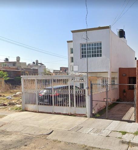 Remate Bancario En Los Arrayanes, Guadalajara, Jal.
